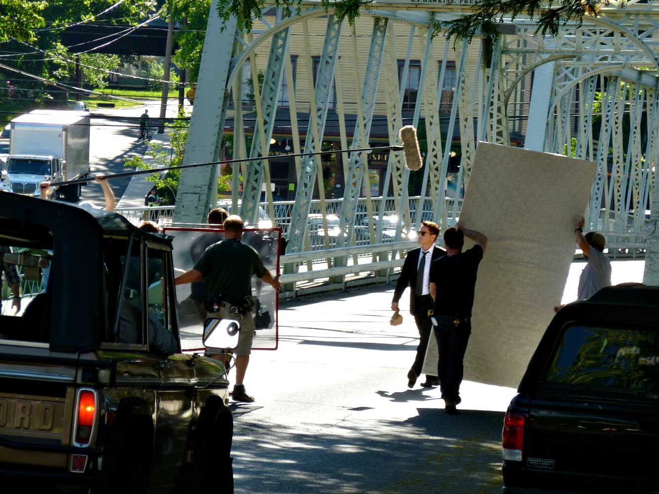 Downey on Set walking off the Iron Bridge1